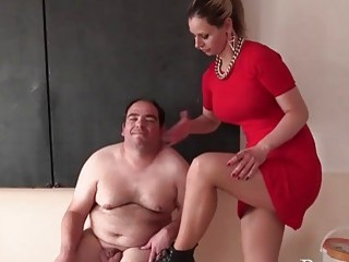 Teacher slaps her fat male student as fast as possible